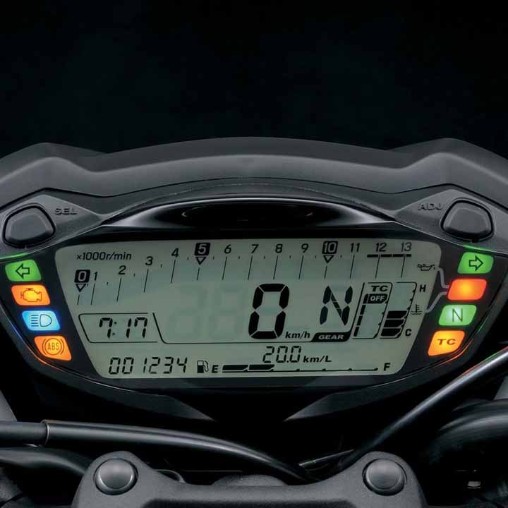 The instrument cluster takes the form of a lightweight, brightness-adjustable LCD. Readouts include speedometer, tachometer, odometer, dual tripmeters, gear position, coolant, driving range, average fuel consumption, instantaneous fuel consumption, traction control, and a clock.